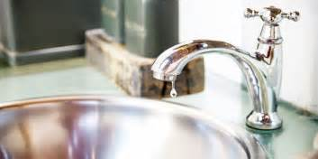 Leaky Faucet Kitchen Sink by How To Fix A Clogged Sink And Leaky Faucet