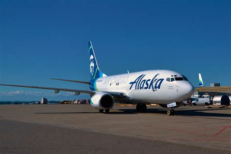 alaska air cargo introduces world s converted 737 700 freighter airways magazine