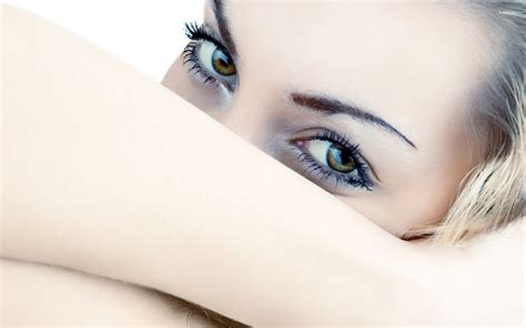 wallpaper girl eyes girl with beautiful eyes wallpaper girl wallpapers 35090