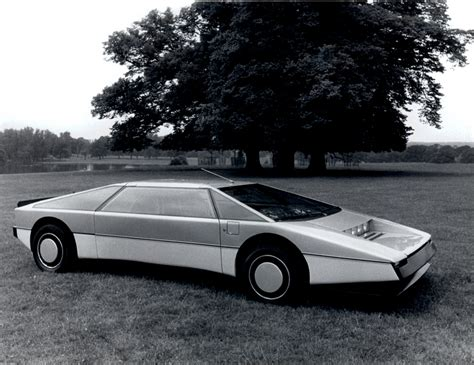 aston martin sedan 1980 1980 aston martin bulldog concept car images