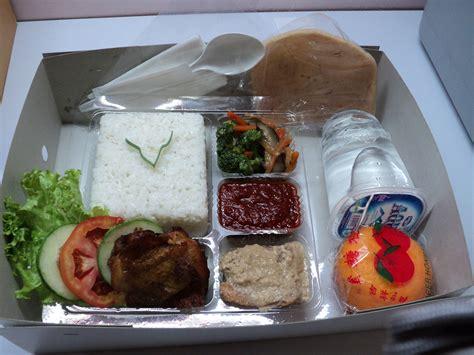 Nasi Ijo Kotak creativersity usaha makanan quot nasi kotak quot