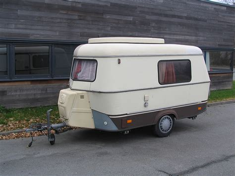 small caravan a small caravan flickr photo sharing