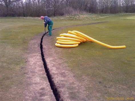 drainage verlegen anleitung mit bilder 6797 schlitzdrainage grabenfr 228 se sammler sauger greens renovation