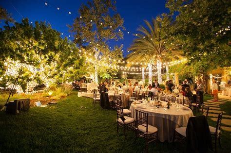what makes a great backyard wedding venue backyard weddings