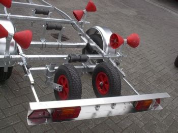 boottrailer rubberboot i trailer type 750 kantelbaar nion watersport