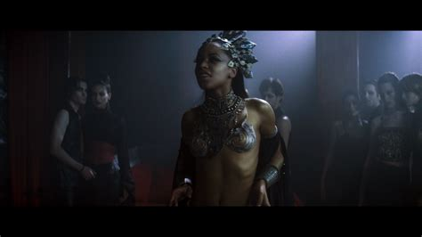 queen of the damned 2 8 movie clip you should be more review queen of the damned bd screen caps movieman s