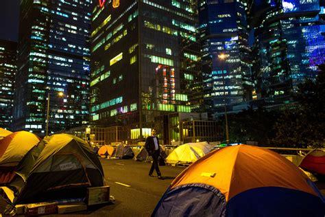 consolato britannico proteste davanti all ambasciata britannica di hong kong
