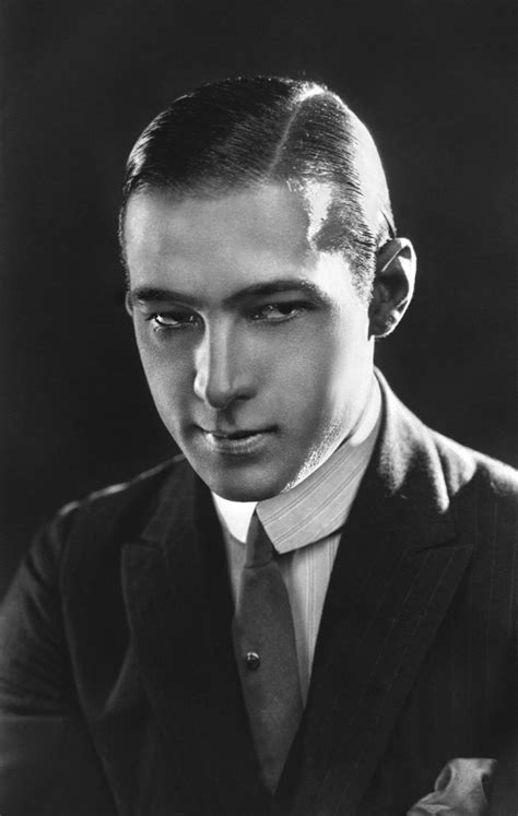 1920s hairstyles for men parted slicked