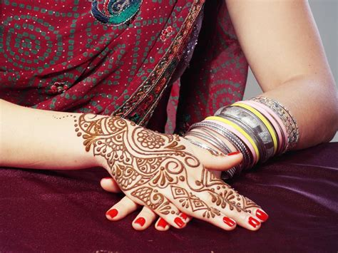 henna tattoo maintenance henna care