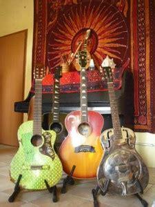 chitarra persiana strumenti www lamusicadivaleriomauro it