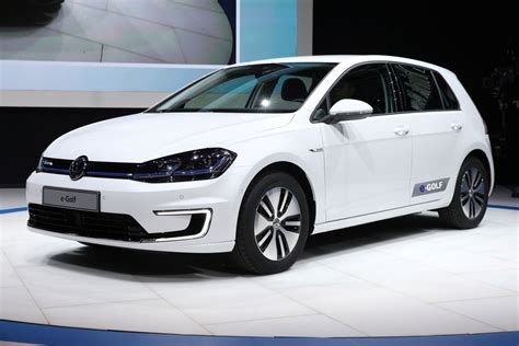 Volkswagen Golf E by New Electric Vw E Golf Launches In Of Emissions