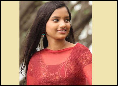 marathi film actress images rajeshwari kharat biography images photos age profile