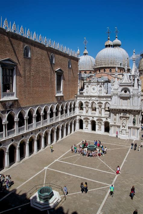 palazzo ducale courtyard venice italy