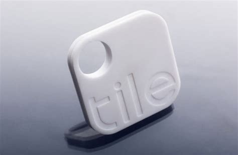 Keychain Tracker Tile Button Trackr And Keychain Tile Easy Ways To Track