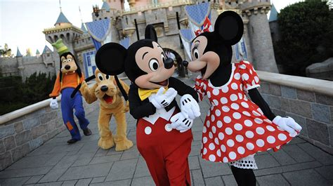 Selimut Bl Disney Mickey quiz we your relationship status based on your disney parks preferences oh my disney
