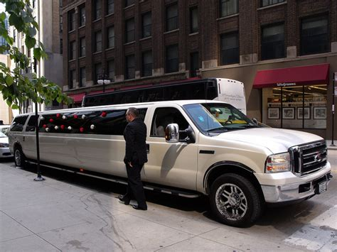Local Limo Companies by Limo Service Lansing Mi Lansing Limo Services
