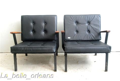ori furniture cost 8 incredible pair of club chair the desk is for sale
