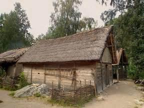 birka12 hus jpg