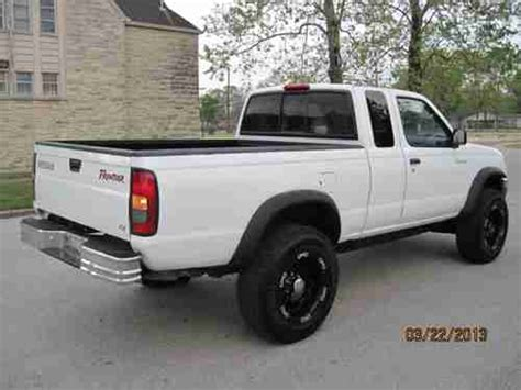 2000 nissan frontier lifted find used 2000 nissan frontier xe king cab 4x4 4 cylinder