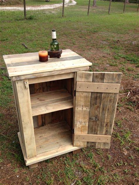 Pallet Kitchen Coffee Cup Holder   Pallet Furniture Plans