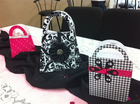 Purse Gift Bags Used As Centerpieces Made By Me Lesa Purse Centerpiece Ideas