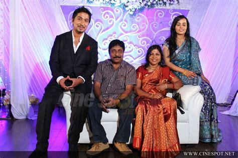 Vineeth sreenivasan wedding reception photos (52)