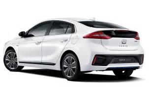 Hyundai Looks Like Mercedes Hyundai Ioniq Hybrid Wants To Be The Next Prius 95 Octane