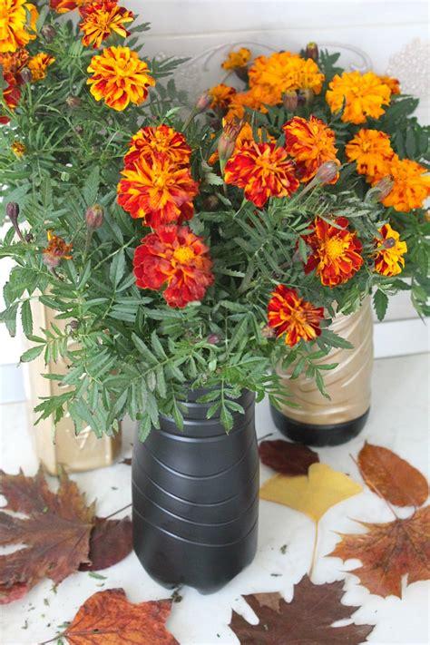 Flower Vase From Plastic Bottle by Diy Flower Vase Out Of Plastic Bottle