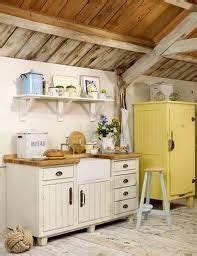 laras para techos inclinados 1000 ideas about free standing pantry on pinterest