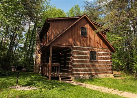 Pet Friendly Cabins Ohio by Logan Ohio Usa Charming 2 Bedroom Vacation Cabin