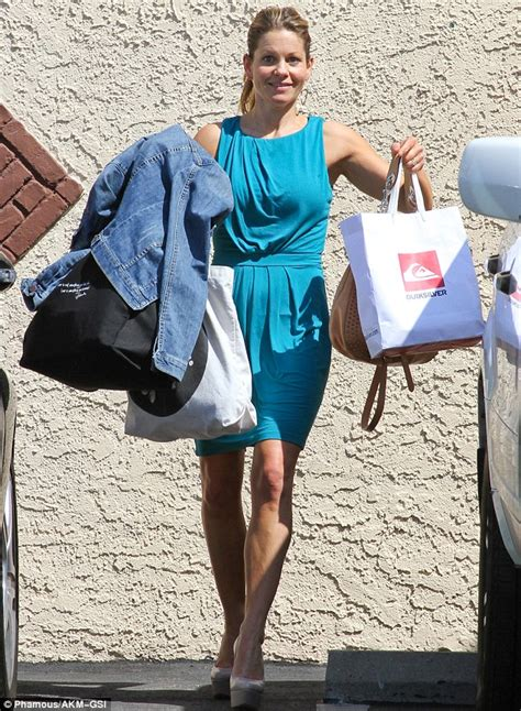 lori loughlin on dancing with the stars full house candace cameron is joined by former co stars