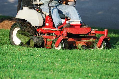 Landscaper Lawn Mower Lawn Care Wentzville Mo Free Estimates Schwartz
