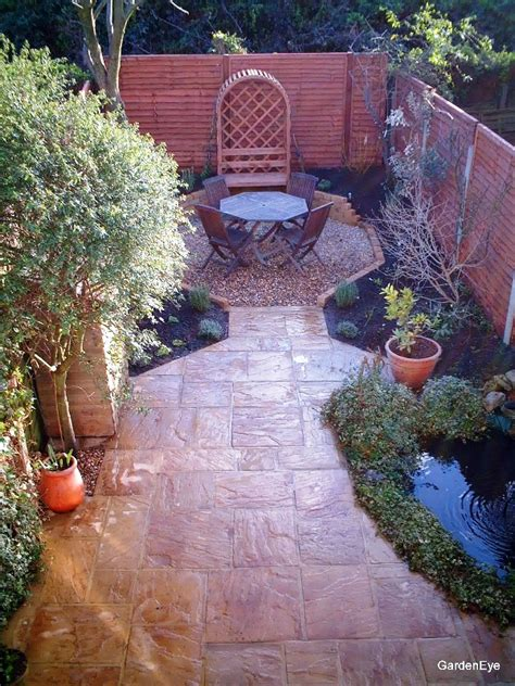 Patio Ideas For Small Gardens Uk 1000 Images About Small Garden Designs On Gardens Garden Ideas And Nancy Dell Olio