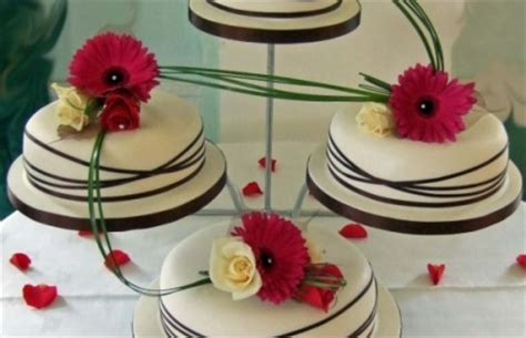 wedding cake makers in cornwall clares wedding cakes hayle wedding cakes cornwall