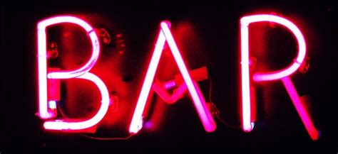 What Is A Bar When Bar Fights Get Bystanders Intervene Penn