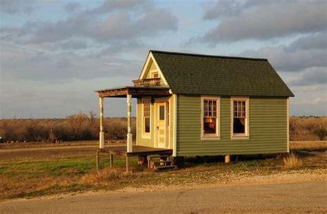 model rumah semi permanen  kayu gambar desain rumah
