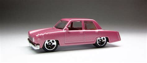 Wheels The Simpsons Homer Family Car Pink Sedan 2017 Hw Miniature the lamley look wheels simpsons family car