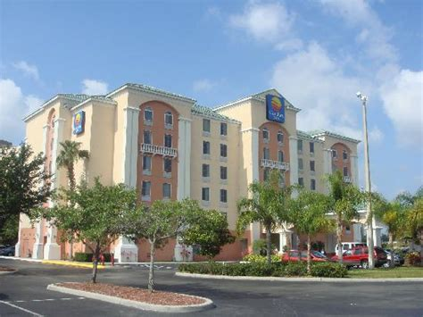 comfort inn suites orlando front of hotel picture of comfort inn international
