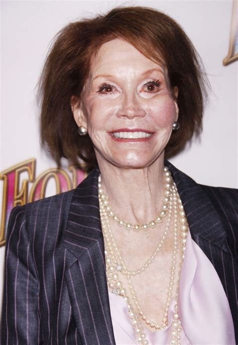 mary tyler moore mary tyler moore picture 19 opening night of the