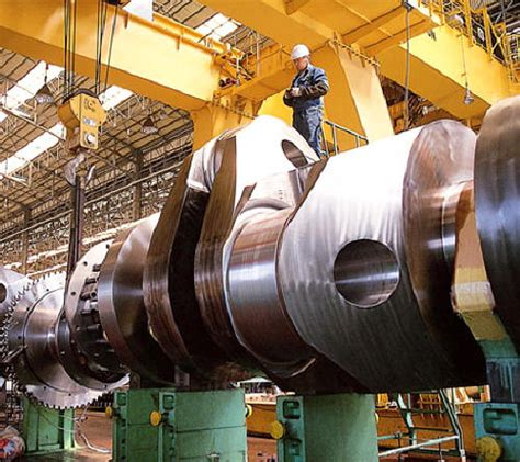 biggest boat engine in the world stories etc the world s biggest combustion engine