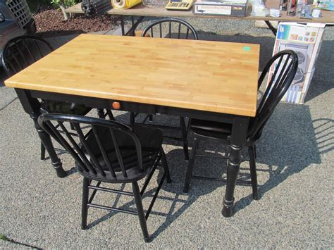 butcher block table and chairs maple butcher block table and chairs parksville nanaimo