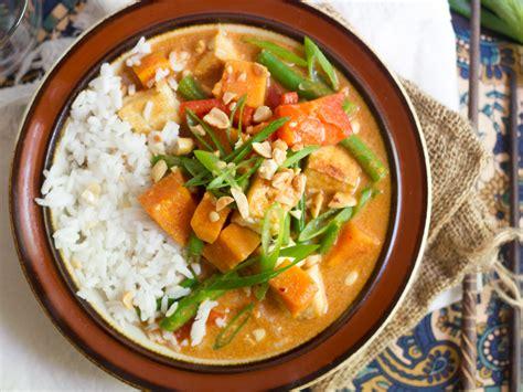 thai massaman curry connoisseurus veg
