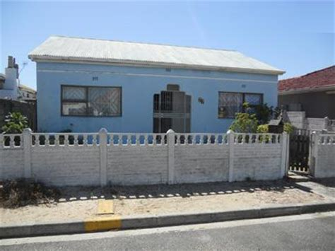 Absa Foreclose Houses Potchefstroom Myroof Absa Repossessed 4 Bedroom House For Sale In Cape