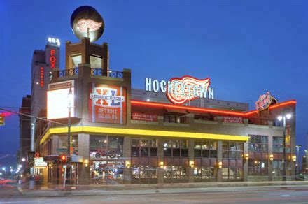 top 10 sports bars in detroit