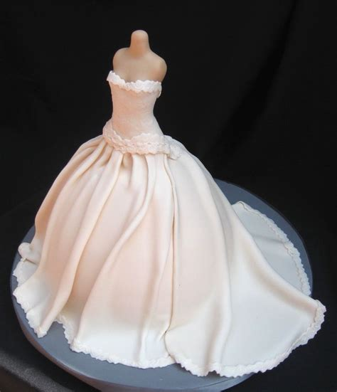 dress cake 25 best ideas about dress cake on pinterest wedding