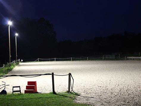 beleuchtung reitplatz led licht f 252 r reithallen reitpl 228 tze de
