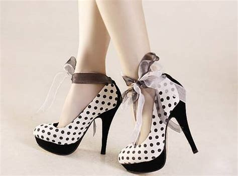 high fashion heels black and white fashion girly high heels shoes picture