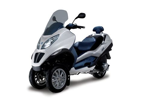 electrovelocity the piaggio mp3 hybrid scooter