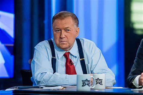 fox news bob beckel flips the bird on live television fox news fires bob beckel of the five over racial remark