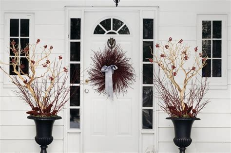 Front Door Winter Decorating Ideas by Front Door Decorating For Fall Winter